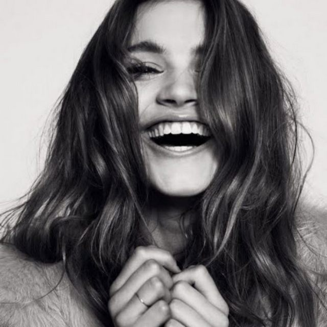 laughing-woman-192816_w1000